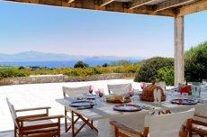 Paros beachfront villa