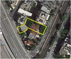 Two neighboring land plots 682 m² for sale in Neo Faliro, Piraeus